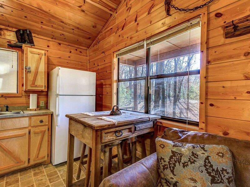 Hochatown Cabins | Eagle's Egg, vacation rental in Hochatown
