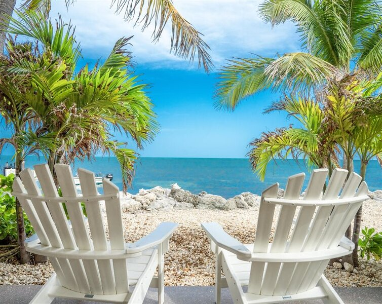 Coconut Hut 2bed/1.5 bath with Direct ocean views, location de vacances à Conch Key