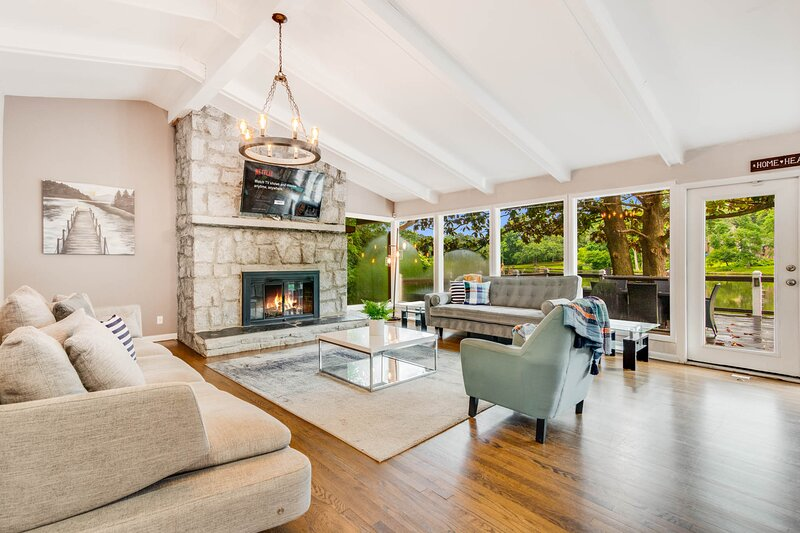 Lakehouse Estate - Sleeps 14, vacation rental in Conyers