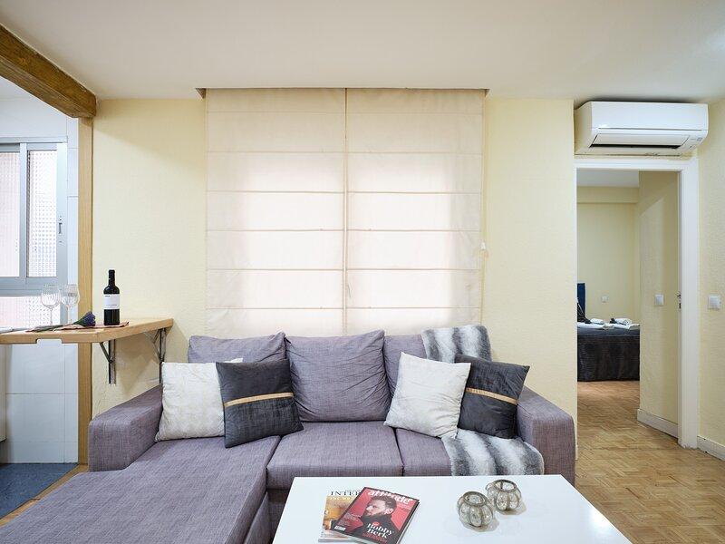 Moderno apartamento en Castilla, holiday rental in San Sebastian de los Reyes