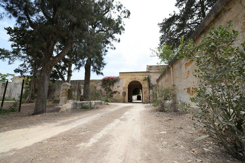 Casa vacanza all'interno di uno storico Baglio con Terrazza panoramica., holiday rental in Petrosino