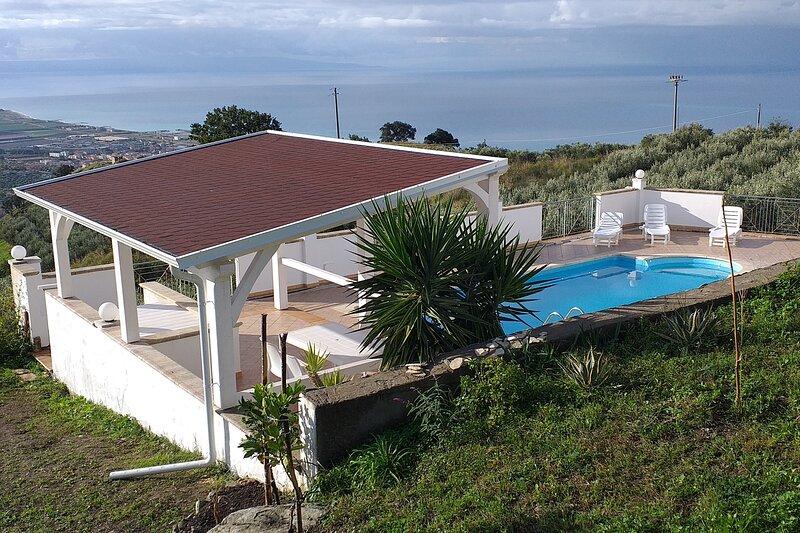 Fantastic villa amazing view, casa vacanza a Villaggio del Golfo