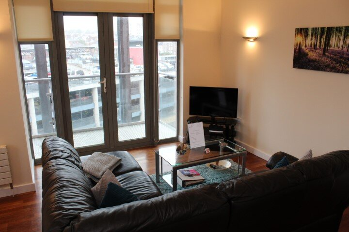 Week2Week Newcastle city centre apartment, holiday rental in Woolsington