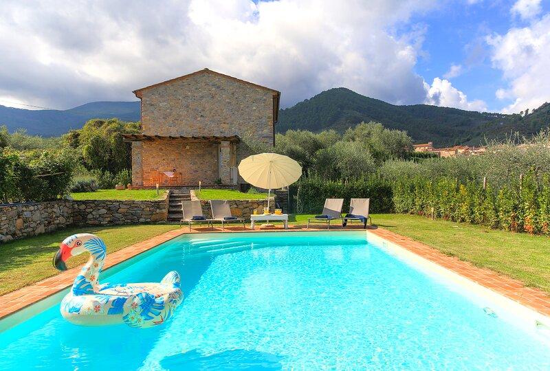 LA FURBINA ideal for families with WiFi and AC, Ferienwohnung in Colle di Compito