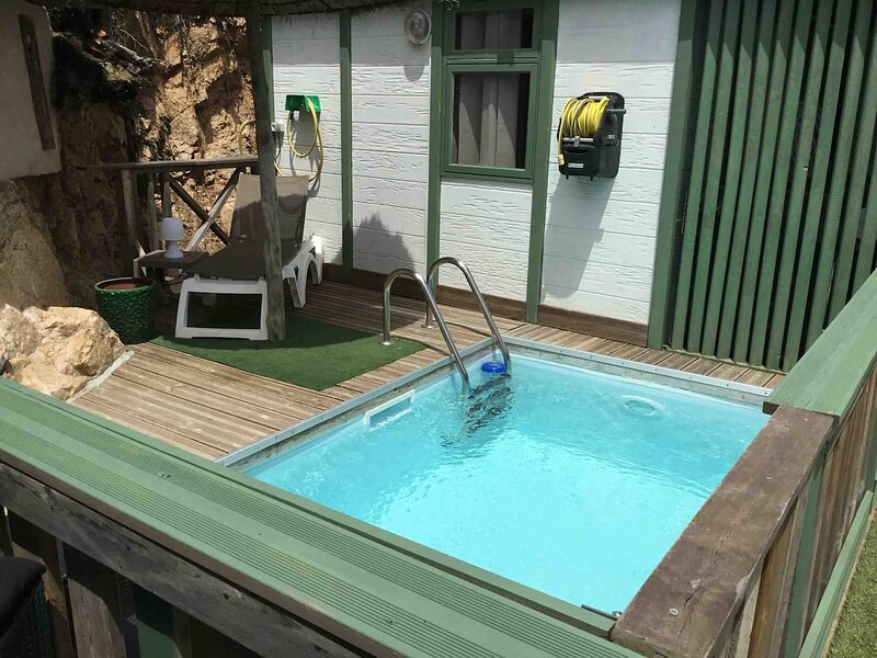Nice chalet with swimming-pool, holiday rental in Olmeto