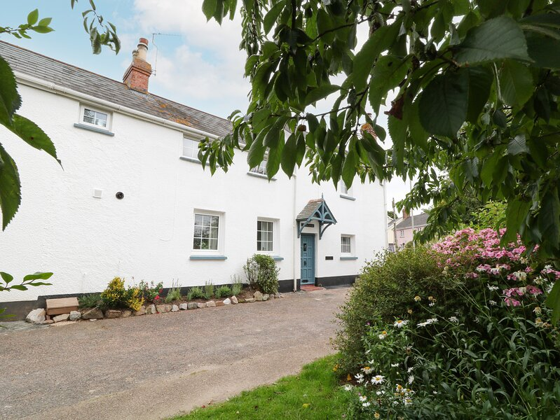 1 Castle Cottages, Woodbury, holiday rental in Farringdon
