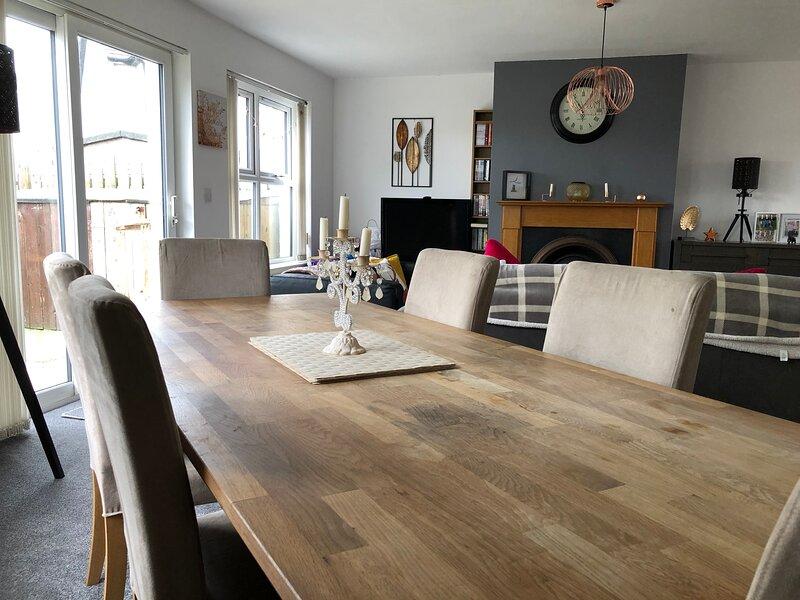 Beautiful 3 Bed Portstewart Holiday Home, aluguéis de temporada em Portstewart