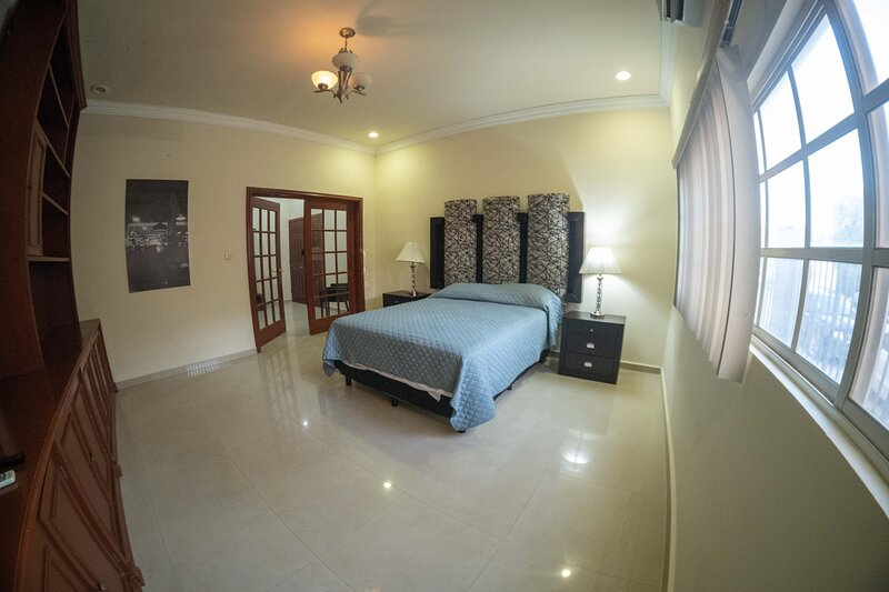 17 Large room for two people, holiday rental in Torreon