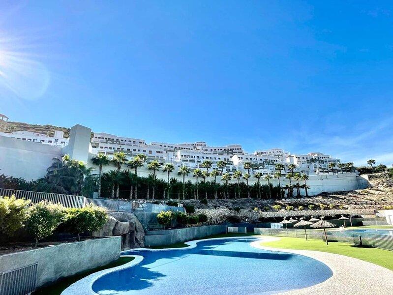 Apartamento con increibles vistas, holiday rental in Alfauir