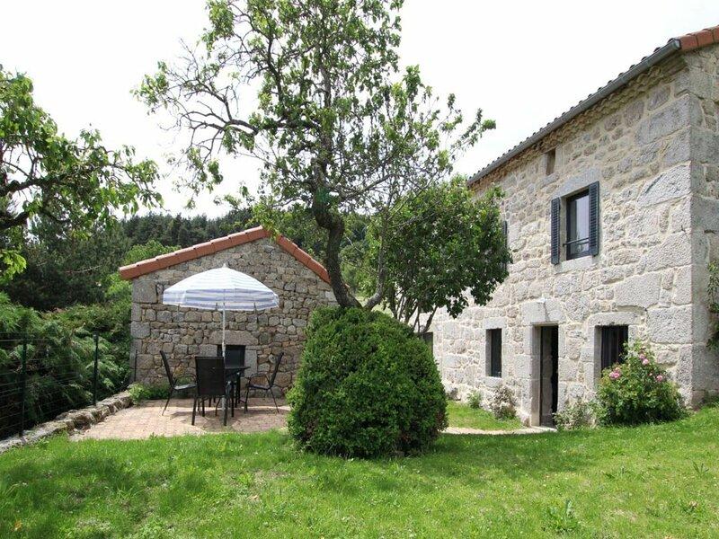 La maison de la Rose, holiday rental in Saint-Prejet-d'Allier