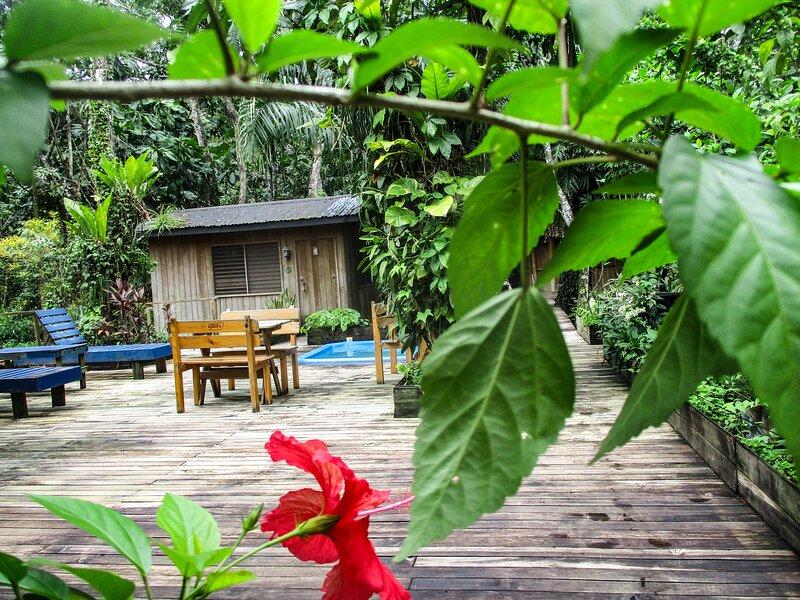 Bungalow6 Hotel Kangaroo Rio Dulce Waterfront River Jungle with Restaurant, aluguéis de temporada em Alta Verapaz Department