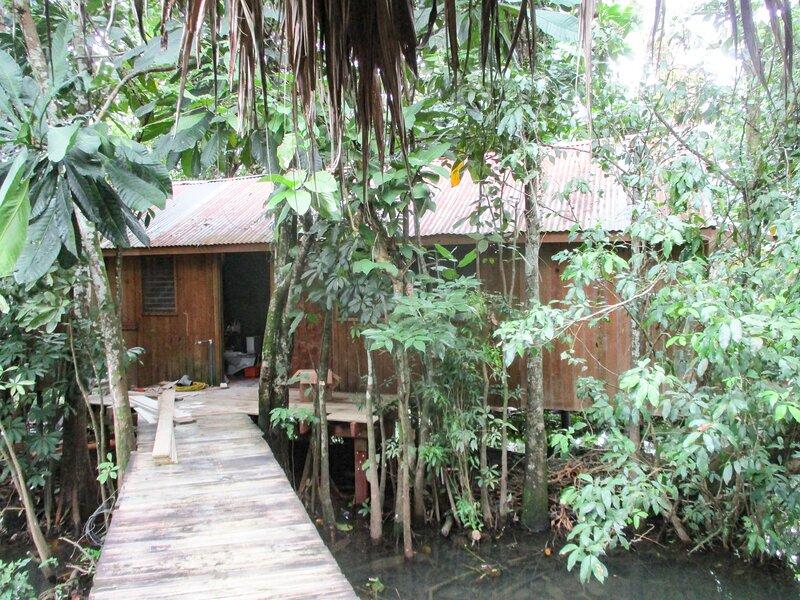 Bungalow10b Hotel Kangaroo Rio Dulce Waterfront River Jungle with Restaurant, aluguéis de temporada em Alta Verapaz Department