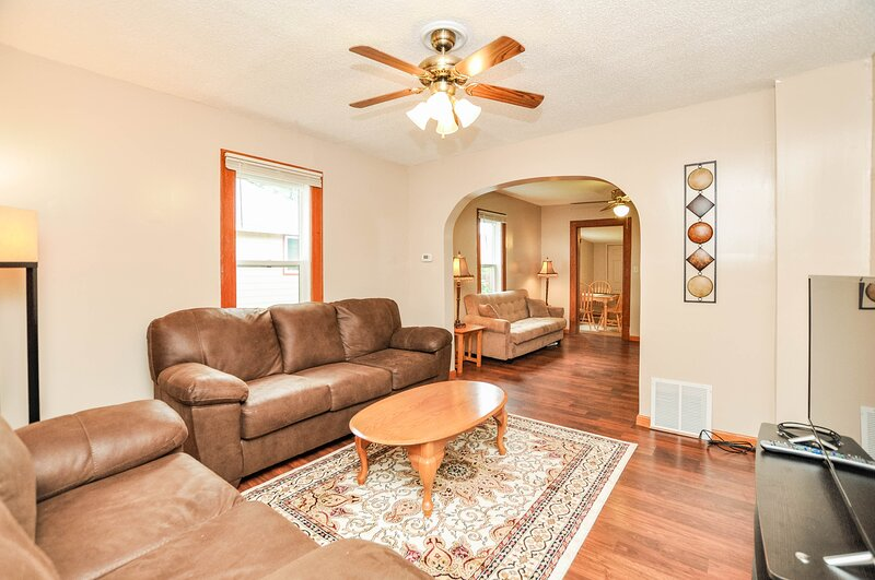 2BR-1 Bath; 1.5 miles from Mayo Clinic//St. Mary's, casa vacanza a Eyota