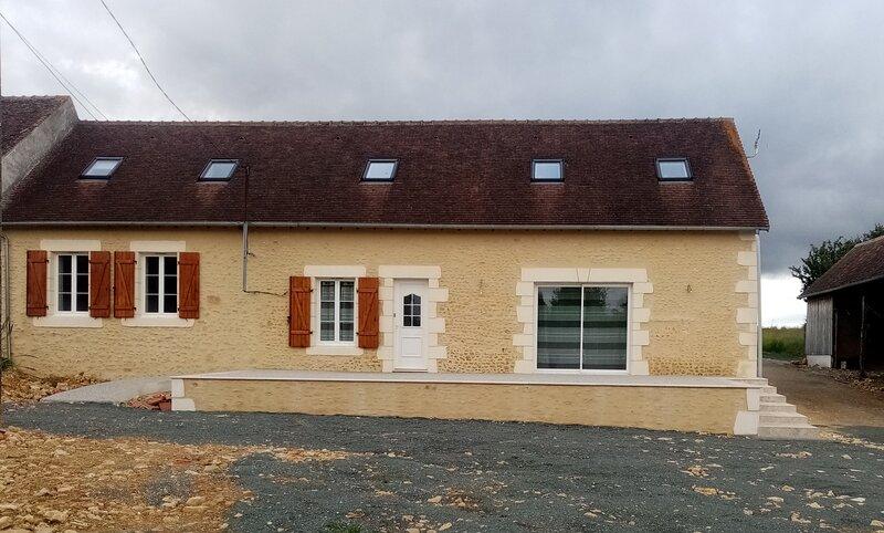 maison de campagne avec jardin, casa vacanza a Nogent Le Bernard