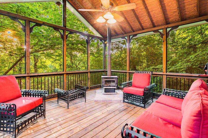 Atlanta Stunning 5BDR CDC Emory Sleeps 12, holiday rental in Clarkston