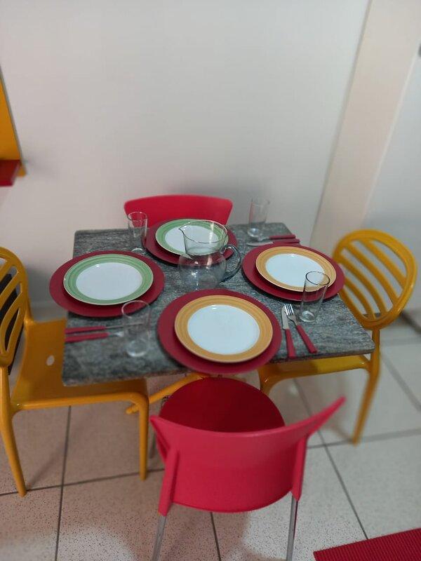 Hospedagem em Apto/Loft Mobiliado nº 05 - Estilo Pousada, holiday rental in State of Mato Grosso do Sul