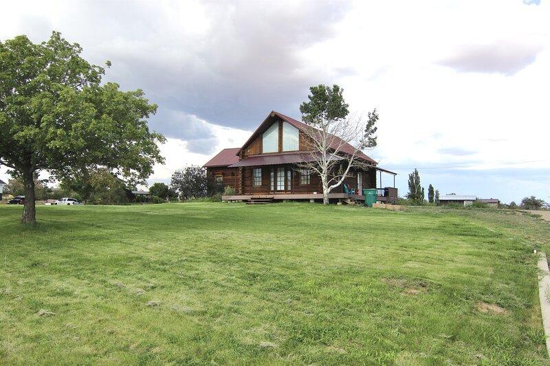 Log Haven in Blanding, holiday rental in Blanding