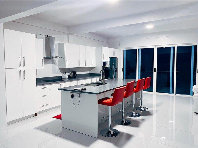 Luxury Private Villa Located in Prime Location 2bd, casa vacanza a Rodney Bay