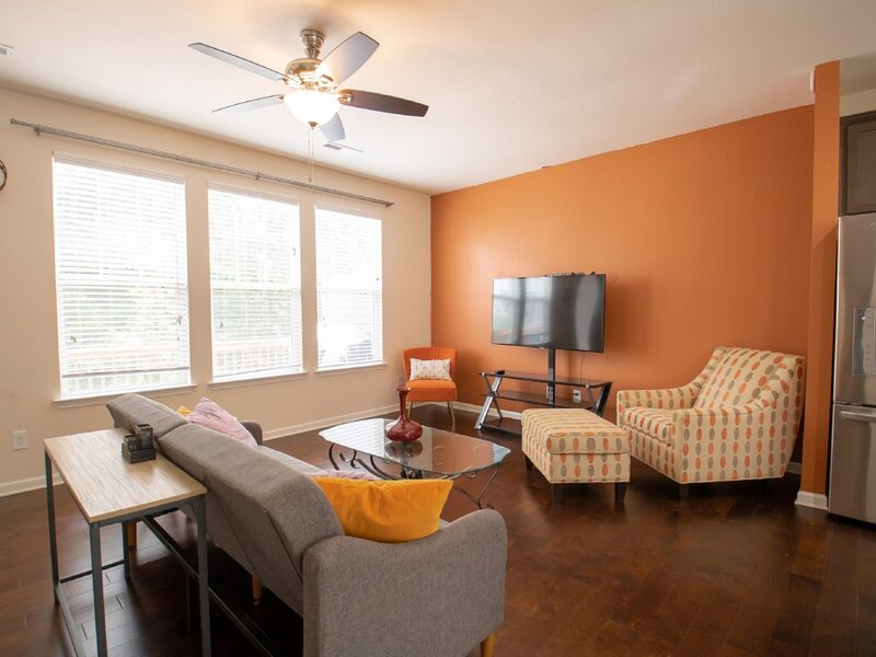 Beautiful Townhome Near Downtown Charlotte, holiday rental in Indian Land
