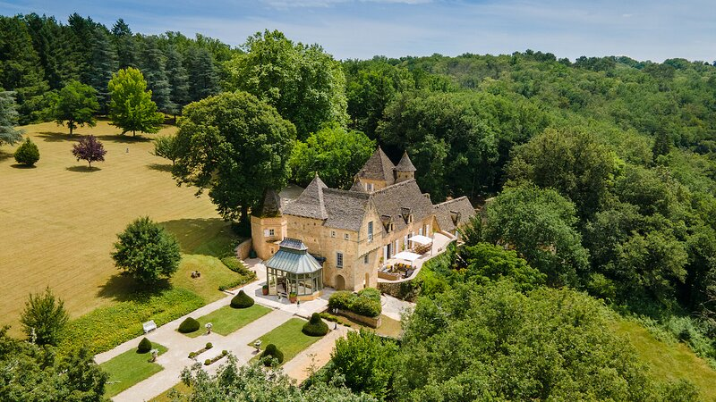 Château La Carrière 5 Star luxury accommodation in the heart of the Dordogne, holiday rental in Saint-Cyprien