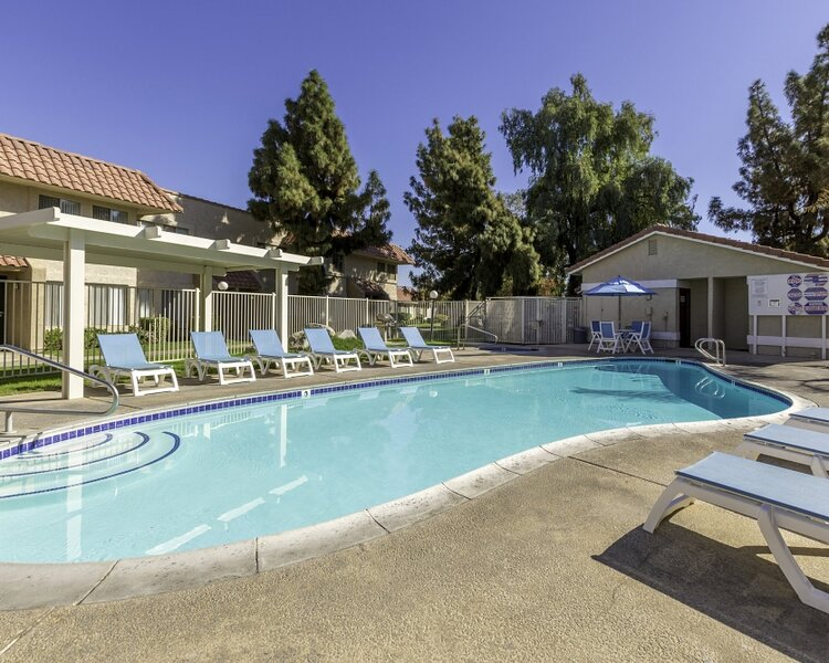 Indian Palms Cosy 2BR Condo with an Outdoor Pool, vacation rental in Coachella