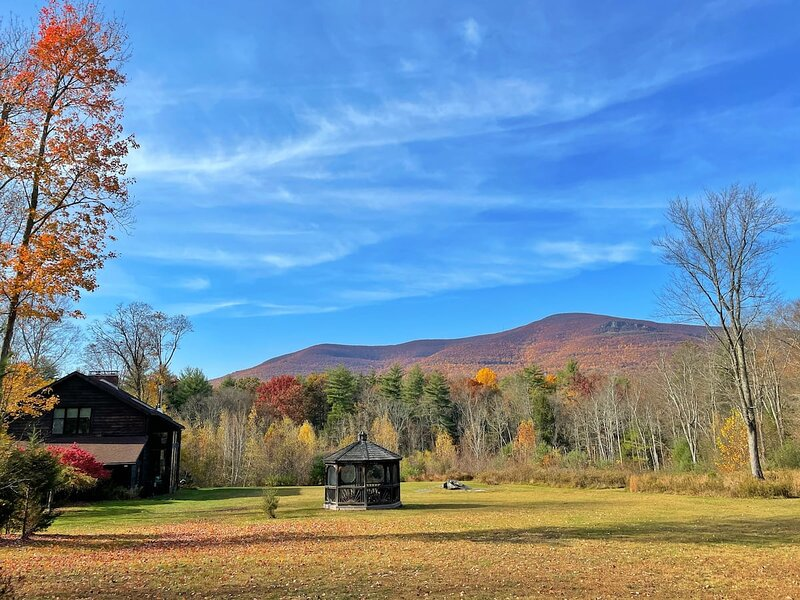 Glasco Woodstock - 16 Acres and Stunning Mountain View, vacation rental in Saugerties