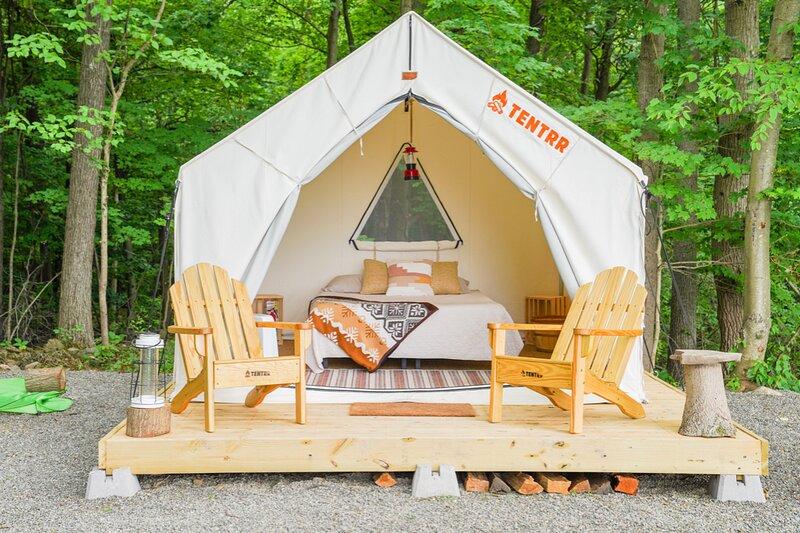 Tentrr Signature Site - Heavens Landing, holiday rental in Tuxedo Park