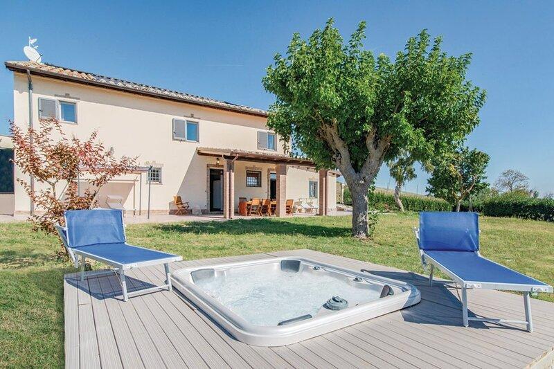 Casale 2 Leoni, holiday rental in Mondavio
