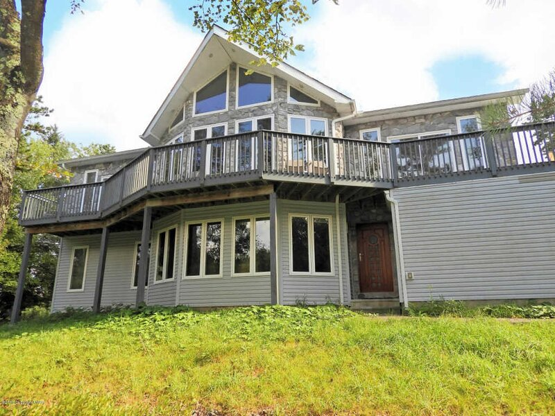 Hunters Cove Lakefront, vacation rental in Long Pond