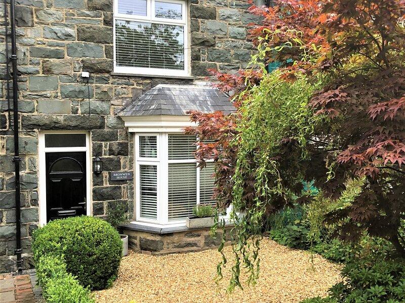 Bronwen Cottage - Llanbedr, holiday rental in Llandanwg