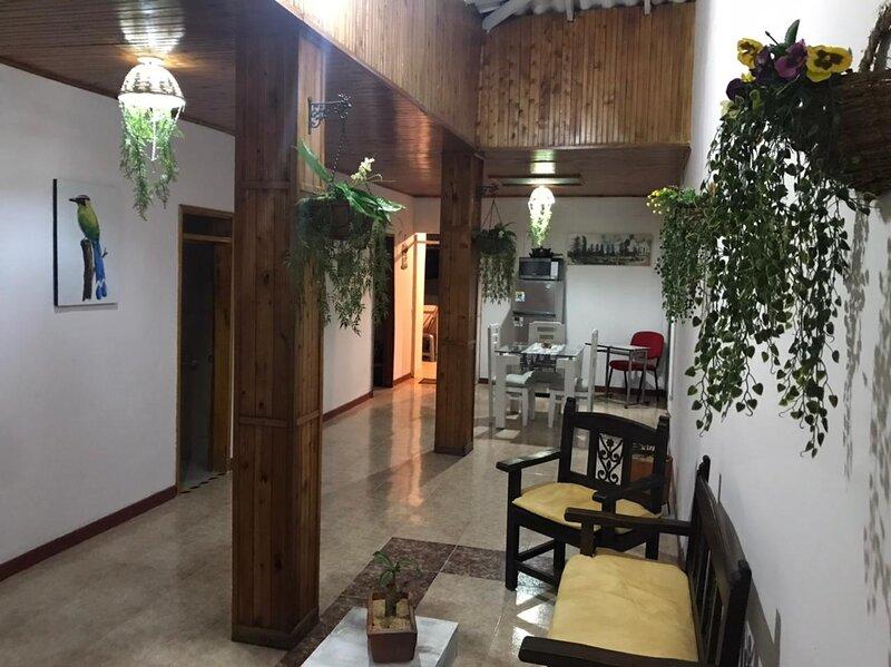 Hermosa, amplia y confortable Casa en el Corazón de Santa Rosa de Cabal, holiday rental in Santagueda
