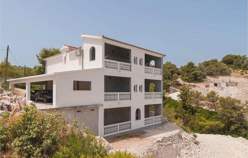 Awesome apartment in Supetar-Splitska with WiFi and 1 Bedrooms (CDB708), vacation rental in Skrip
