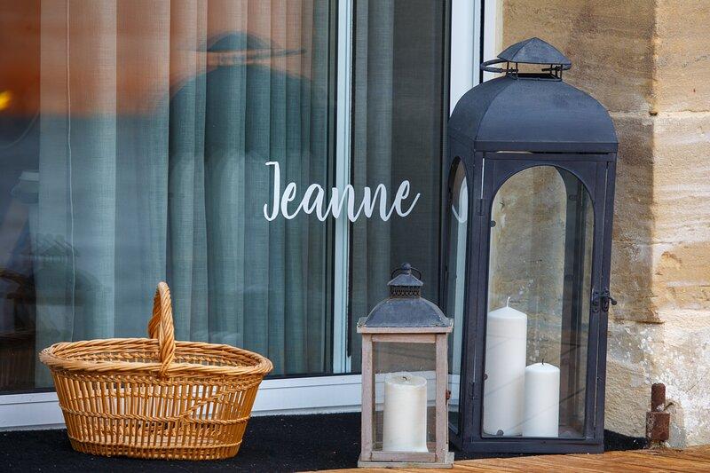 La Maison du Palefrenier by Le Clos Poulain gîte Jeanne, holiday rental in Le Manoir