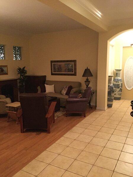 Safe, Quiet & Peaceful home in great neighborhood, location de vacances à North Port