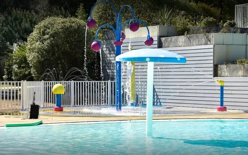 4 star Camping Mobil-Home 1 - 8 Persons, holiday rental in Tharon-Plage
