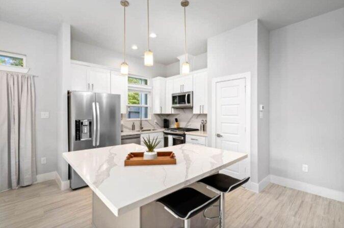 New! Exclusive l 3 Bedroom l Med Center, holiday rental in Brookside Village