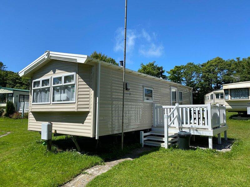 12 Lymington - 6 berth caravan, vacation rental in Nanpean