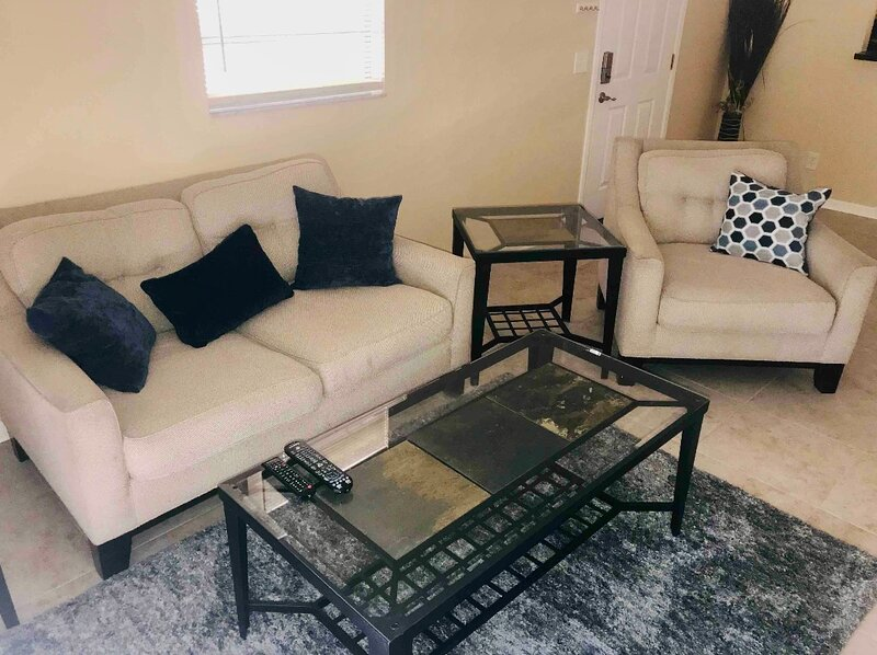 Huge Renovated Home, holiday rental in Pinellas Park