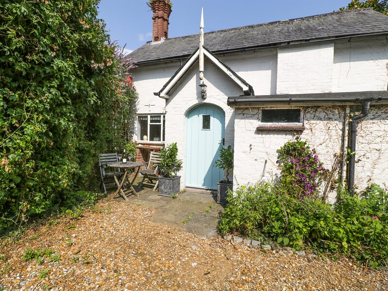 Downton Lodge, Hordle, holiday rental in Barton-on-Sea