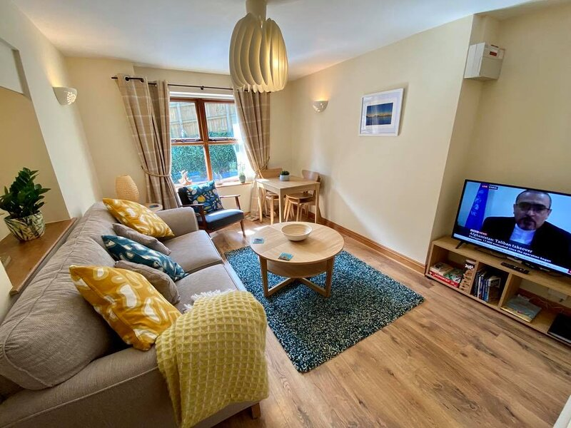 Cornish cottage in beautiful village near Padstow, holiday rental in Little Petherick