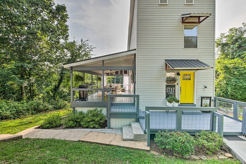 NEW! Pet-Friendly Chattanooga Home, 3 Mi to Dtwn!, holiday rental in Soddy Daisy