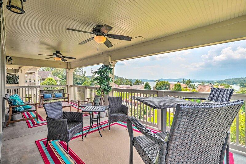 NEW! Logan Martin Lake Condo w/ Pool & Lake Access, holiday rental in Talladega