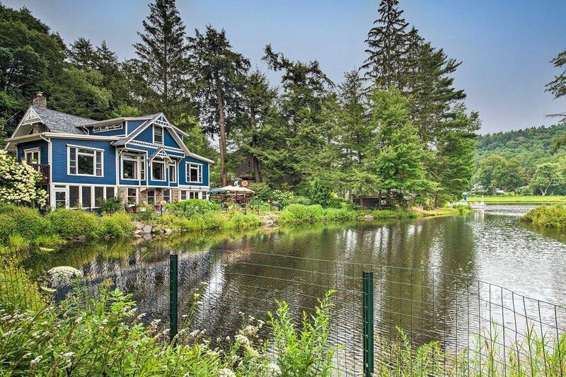 NEW! Home on Bear Creek Lake, Near Hikes & Bikes!, holiday rental in Hunlock Creek