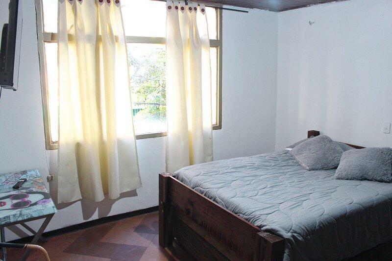 Casa grande para grupos y eventos centro de Bogotá, holiday rental in Choachi