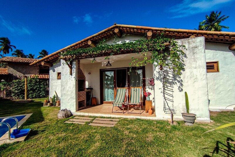 Linda casa no Pontal da Enseada, Rota dos Milagres, holiday rental in Porto de Pedras