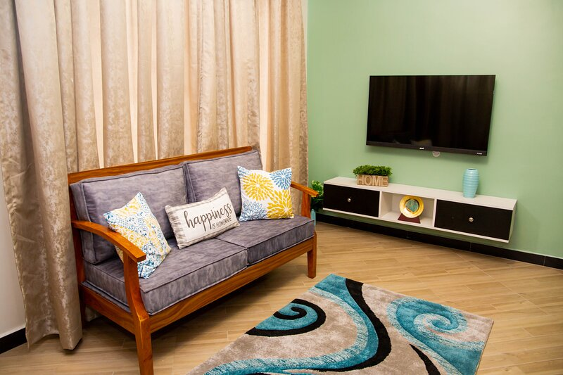 Chic  1-bedroom apartment...at ARIKAYS homes. A-2, holiday rental in Mafinga