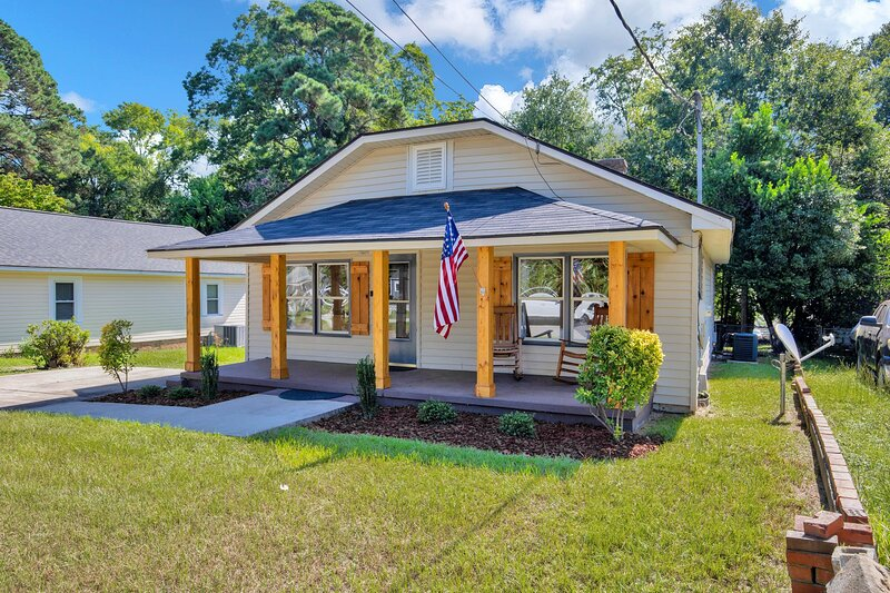 The Precious Pearl- Close to downtown, Ft Bragg,, holiday rental in Hope Mills