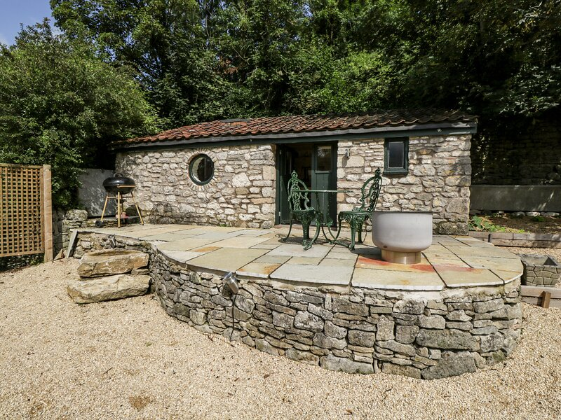 The Bolt Hole, Shepton Mallet, holiday rental in Pilton