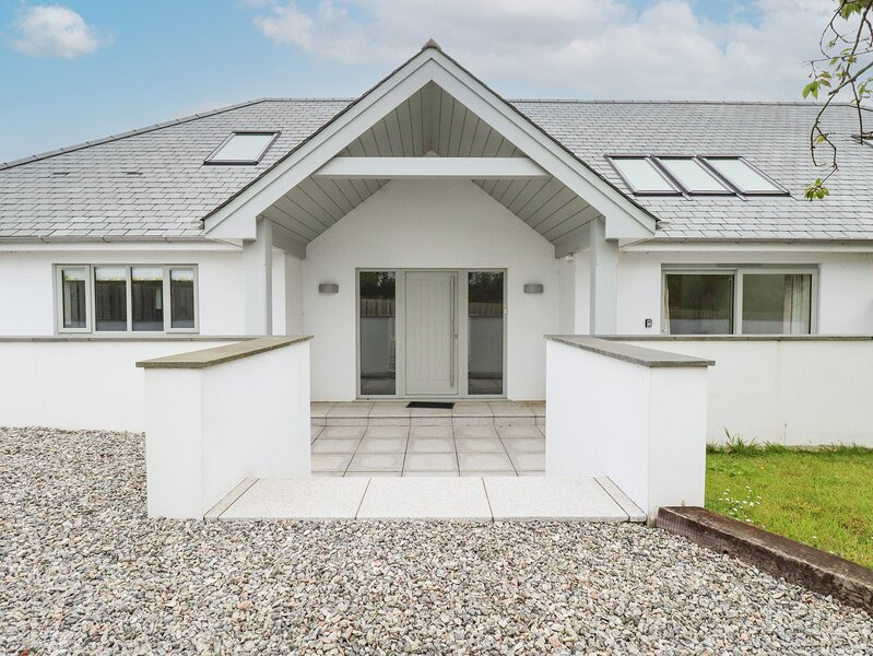 Woodlands Close, Padstow, holiday rental in Treator