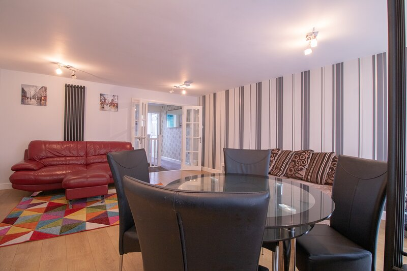 Charming 3-Bed Apartment in Newcastle City, alquiler vacacional en Gosforth